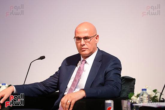 منصة جلسة الاستثمار بقمة مصر الاقتصادية  (9)