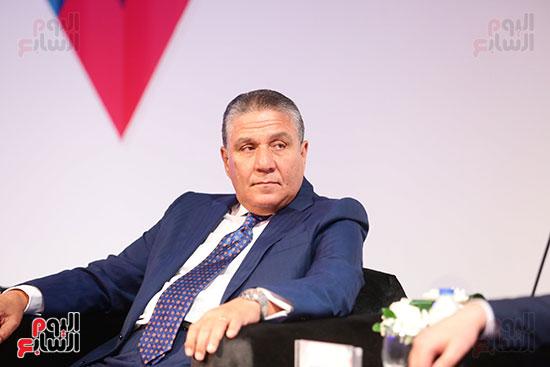 منصة جلسة الاستثمار بقمة مصر الاقتصادية  (7)