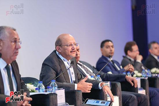 حسين الرفاعى رئيس بنك قناة السويس فى القمة