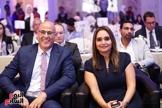 منصة جلسة الاستثمار بقمة مصر الاقتصادية  (1)