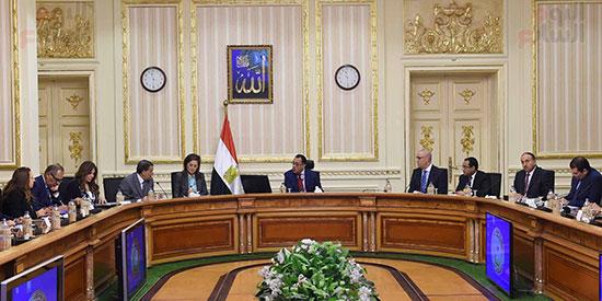 رئيس الوزراء يُتابع سير العمل بالعاصمة الإدارية (5)