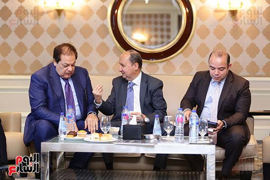 وزير التجارة ورئيس البورصة ورجل الأعمال محمد ابو العينين