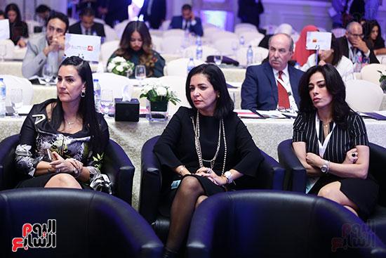 منصة جلسة الاستثمار بقمة مصر الاقتصادية  (12)