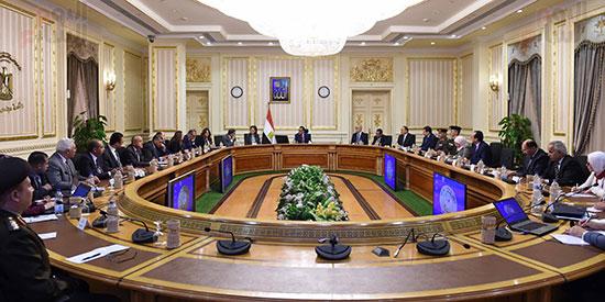 رئيس الوزراء يُتابع سير العمل بالعاصمة الإدارية (3)