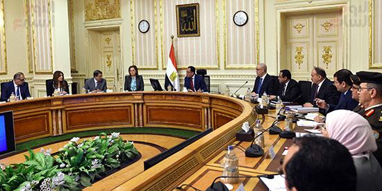 رئيس الوزراء يُتابع سير العمل بالعاصمة الإدارية (2)