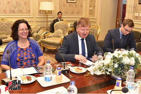 لقاء النائب علاء عابد رئيس لجنة حقوق الانسان (11)