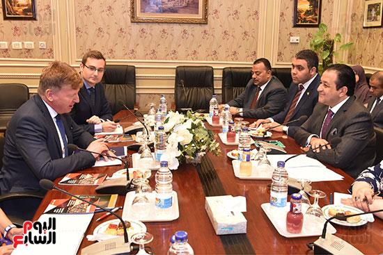 لقاء النائب علاء عابد رئيس لجنة حقوق الانسان (7)