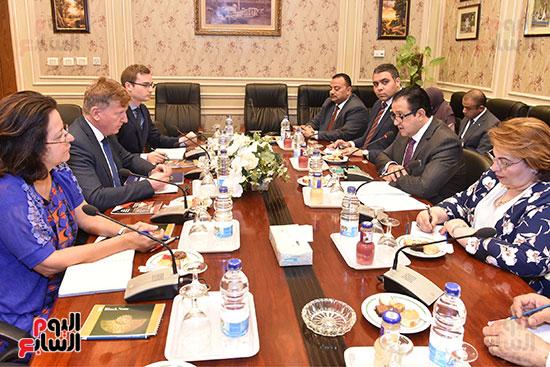 لقاء النائب علاء عابد رئيس لجنة حقوق الانسان (3)