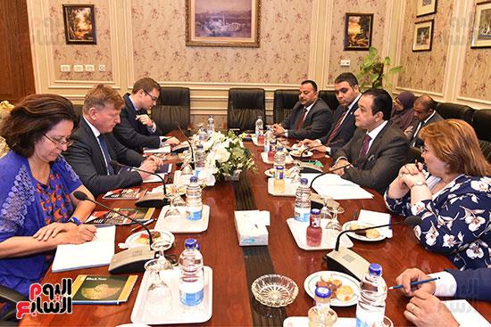 لقاء النائب علاء عابد رئيس لجنة حقوق الانسان (6)
