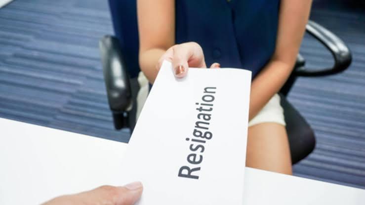 طرق تقديم الإستقالة