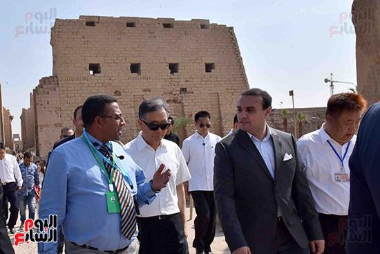 زيارة الوفد الصينى برفقة نائب المحافظ لمعابد الكرنك