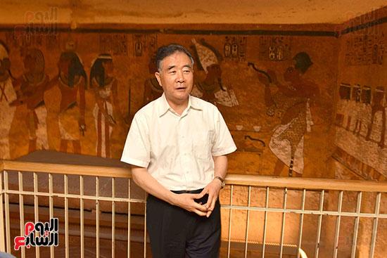 زيارات سياحية لنائب رئيس الصين ووفد رفيع المستوى لمعابد ومقابر الأقصر