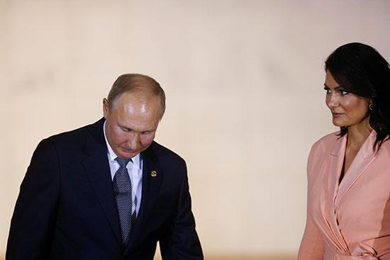 زوجة الرئيس البرازيلى ترحب بالرئيس فلاديمير بوتين