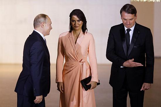 الئيس بوتين يصل مقر انعقاد منتدى البريكس