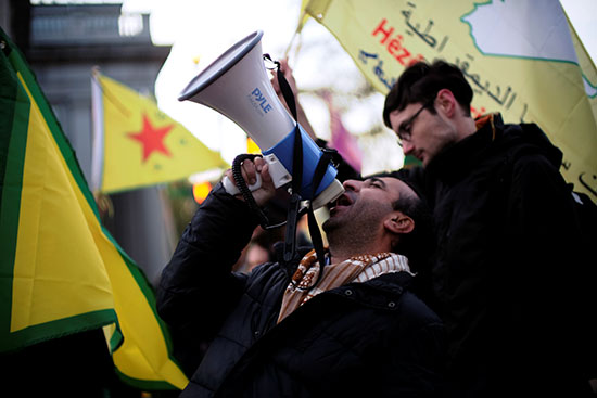 هتافات أمام البيت الابيض احتجاجا على زيارة اردوغان