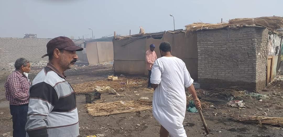 رفع القمامة وأثار السيول بالشلاتين (2)