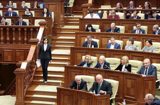 جلسة البرلمان للموافقة على رئيس وزراء مولدوفا الجديد