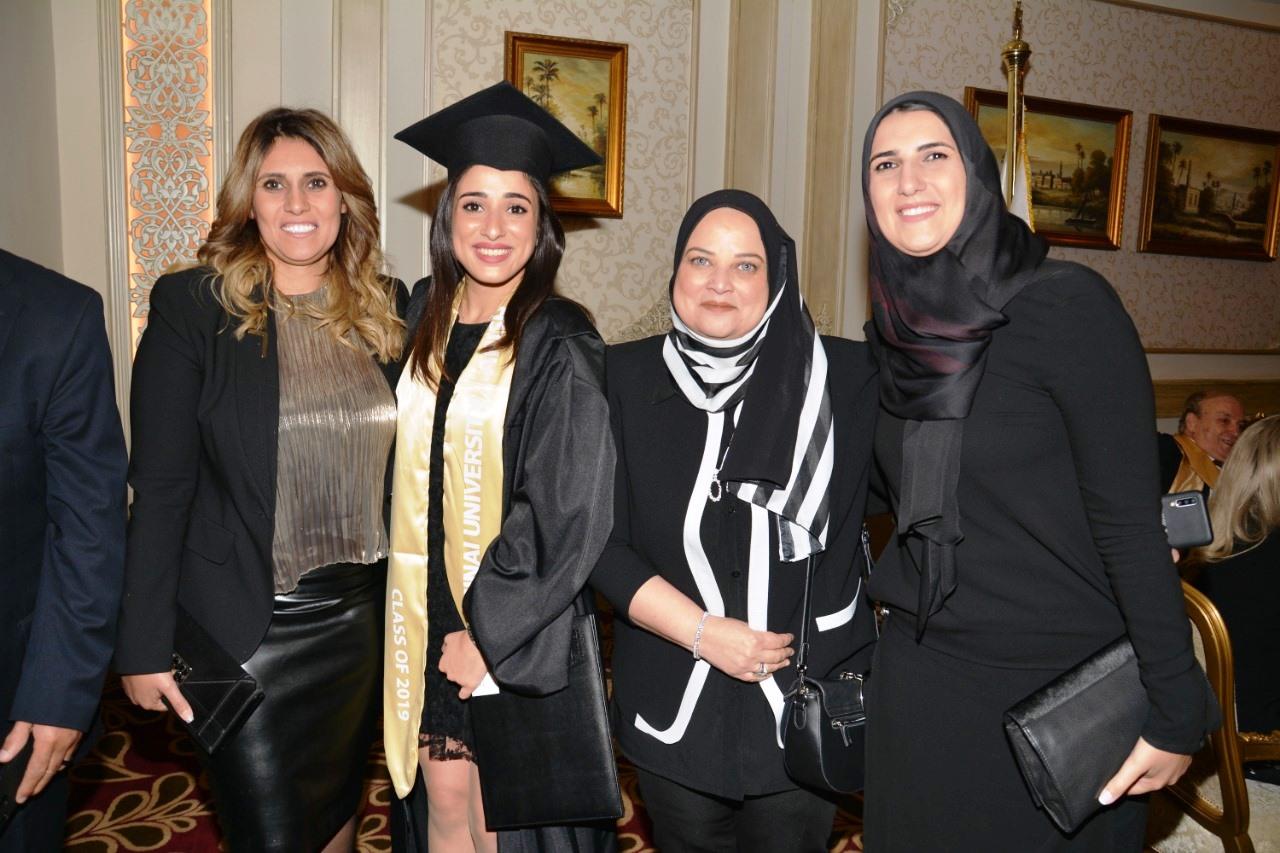 وزير التعليم العالى ومحافظ شمال سيناء وحسن راتب فى احتفالية جامعة سيناء (5)