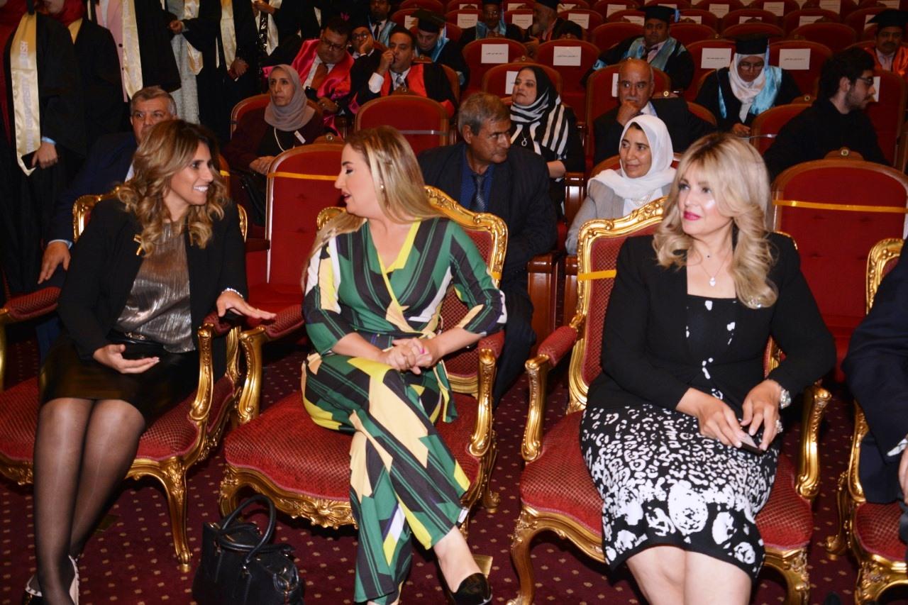 وزير التعليم العالى ومحافظ شمال سيناء وحسن راتب فى احتفالية جامعة سيناء (14)