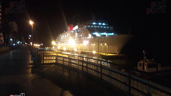 ميناء بورسعيد يستقبل السفينة السياحية ocean Dream (3)