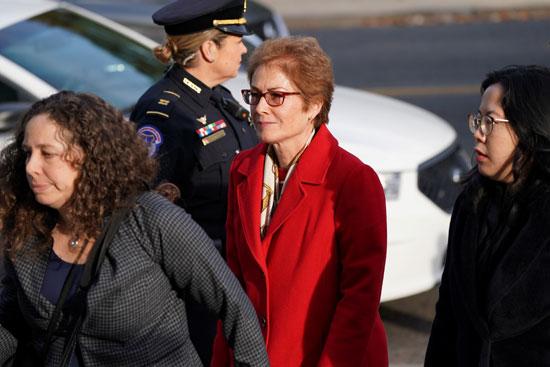 وصول ماري يوفانوفيتش إلى جلسة عزل ترامب