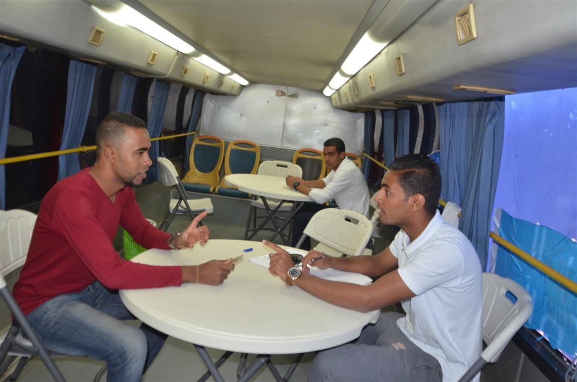 مدير صحة إسنا سيارة التأمين الصحي الشامل سجلت 150 مواطن خلال 24 ساعة (4)