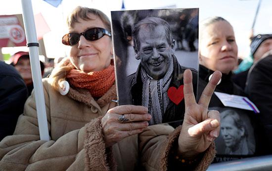 احتجاجات مناهضة للحكومة التشيكية فى براغ