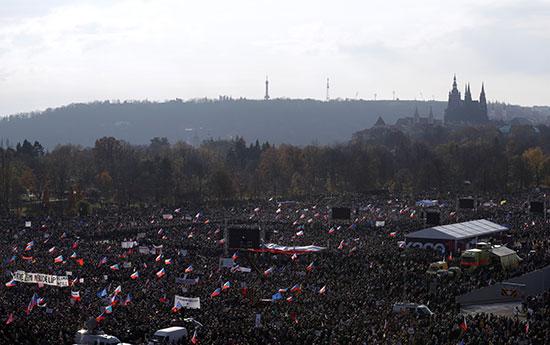 احتجاجات فى التشيك تزامنا مع ذكرى الثورة المخملية