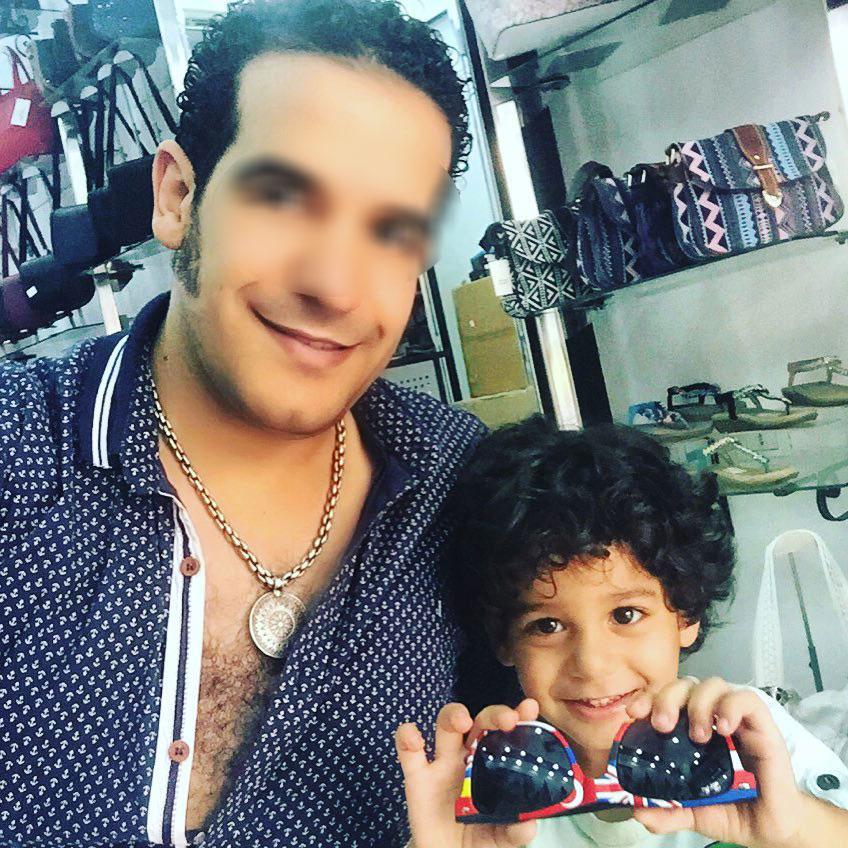 صورة للمطرب مع ابنه