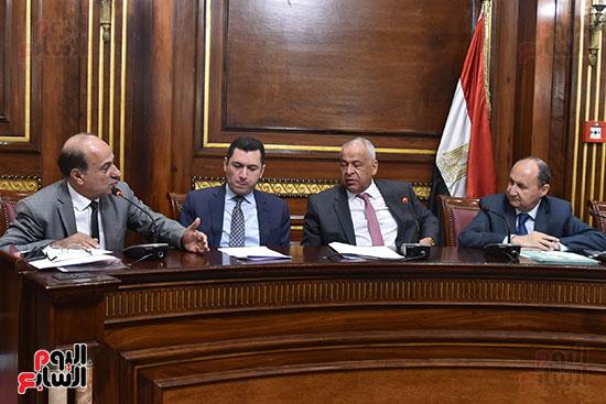 لجنة الصناعة بالبرلمان (1)