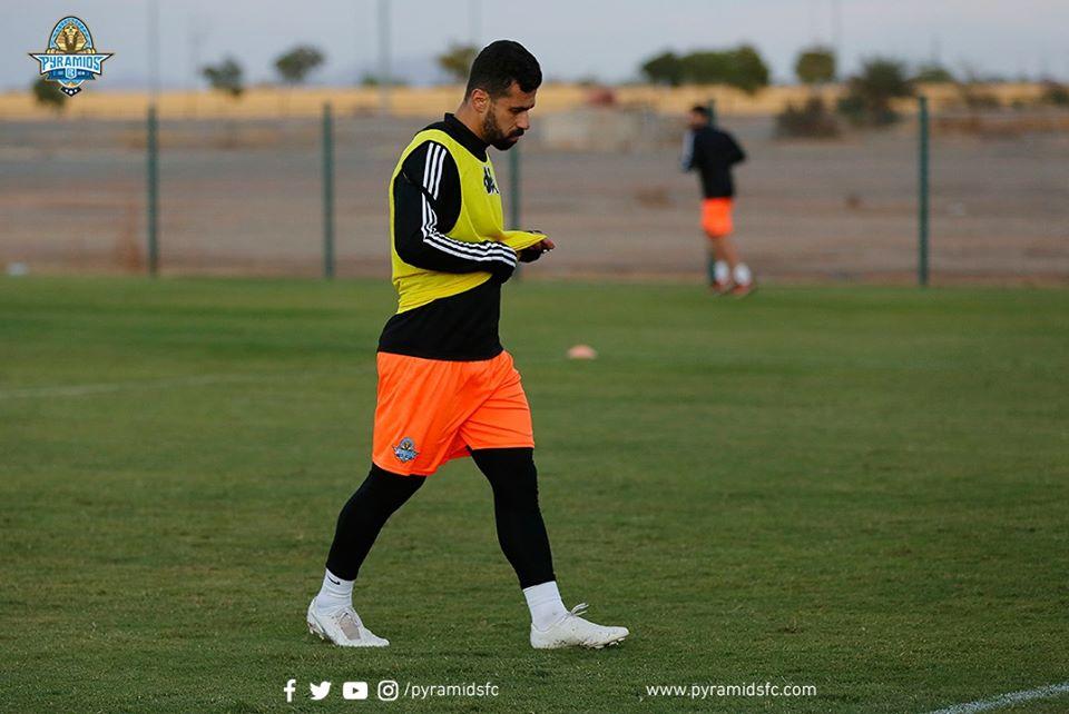 عبد الله السعيد يغادر تدريبات بيراميدز فى المغرب