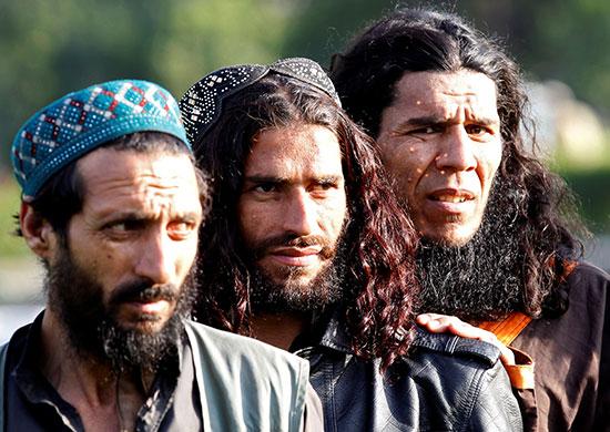عناصر-داعش-بعد-تسليم-أنفسهم-للأمن-الافغانى