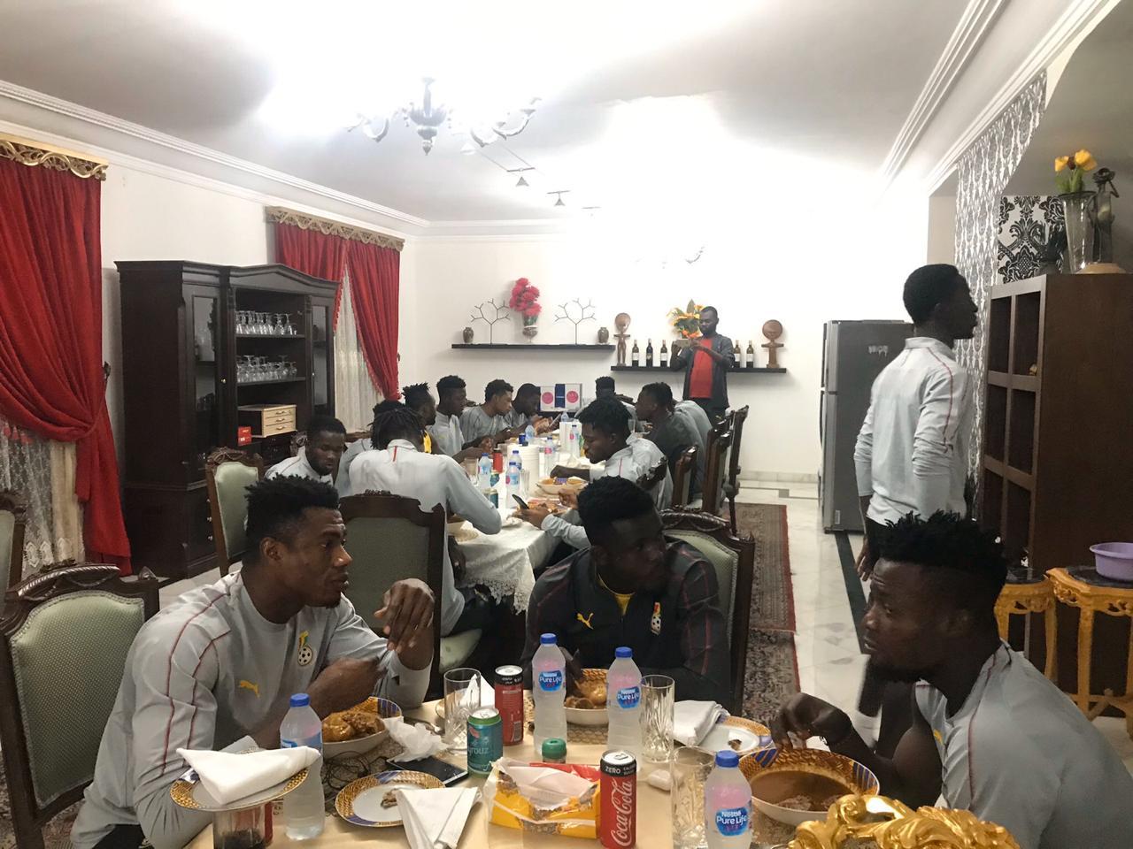 عشاء سفير غانا مع لاعبو المنتخب الاولمبى (3)