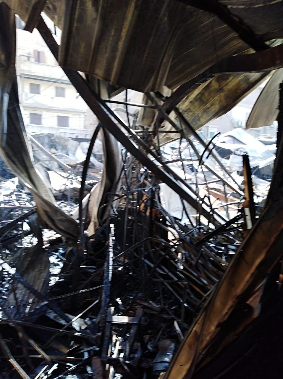 حريق بسبب ماس كهربائى بمول  تجاري (5)