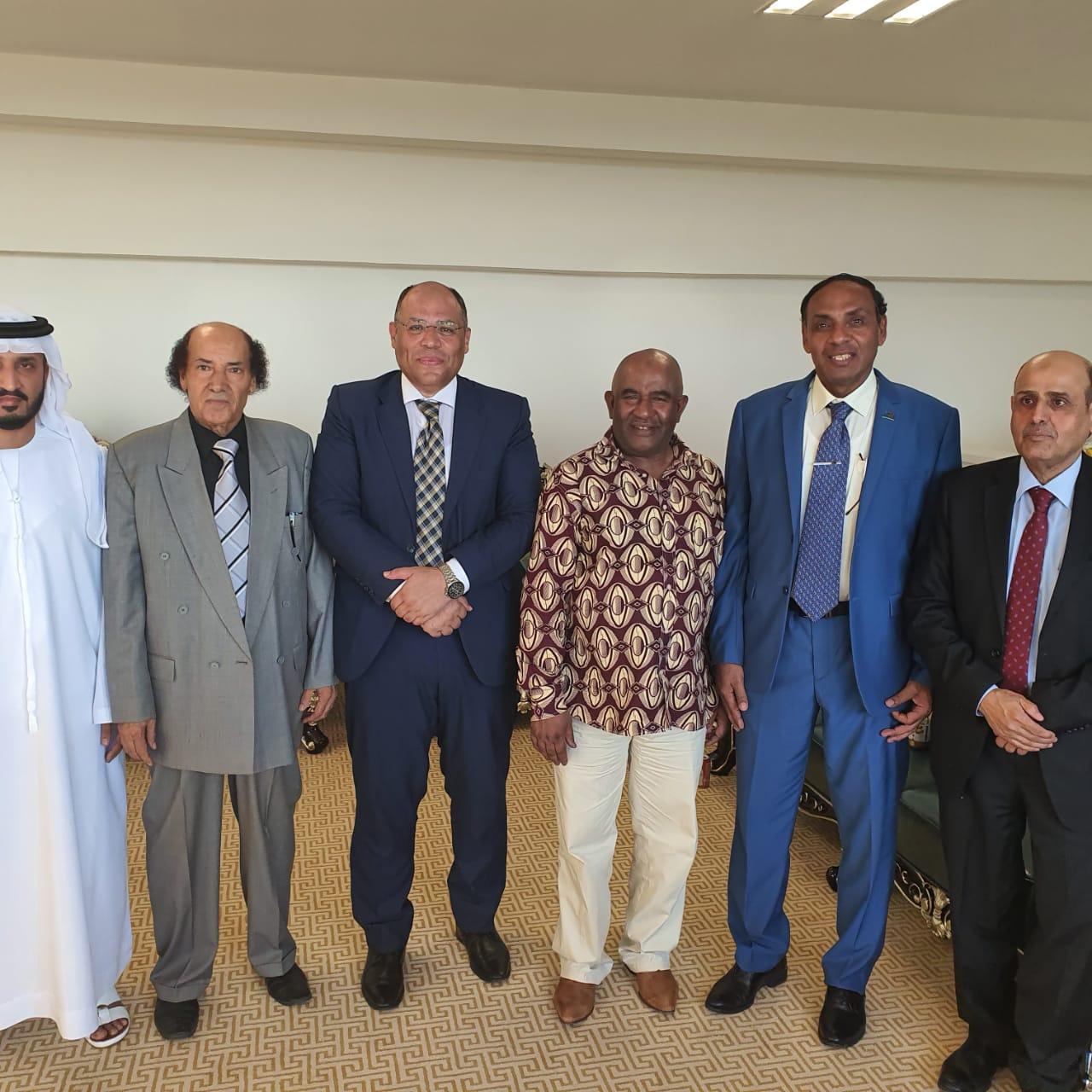 جمال محمد على مع رئيس جزر القمر والسفير المصرى