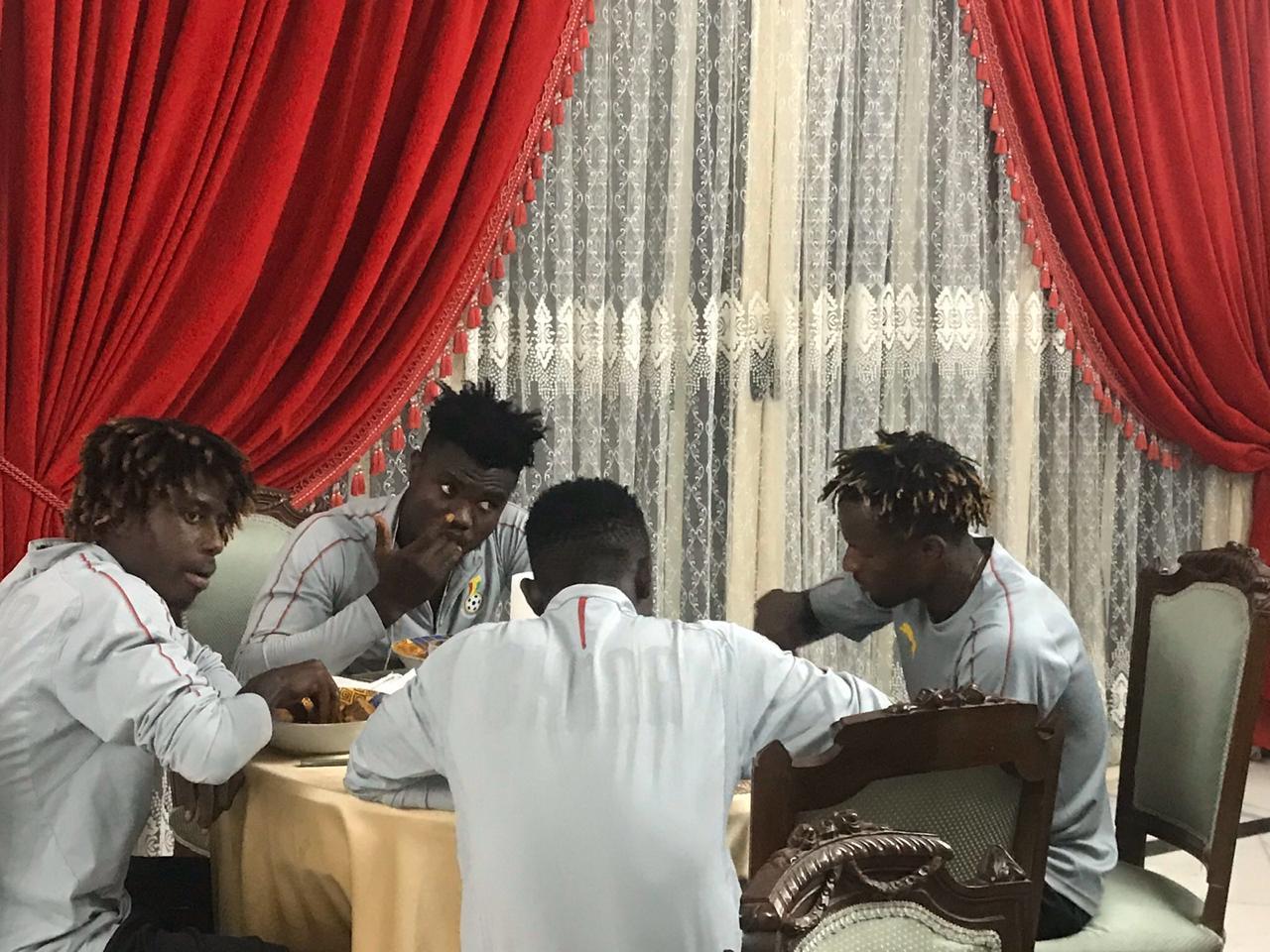 عشاء سفير غانا مع لاعبو المنتخب الاولمبى (4)