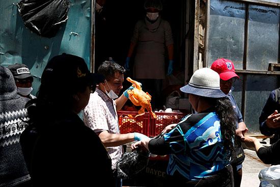ازمة غذائية فى لاباز بسبب الحصار
