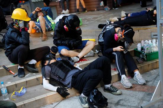 كر-وفر-بين-الشرطة-والمتظاهرين-فى-هونج-كونج