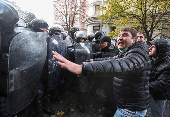احتجاجات في تبليسى
