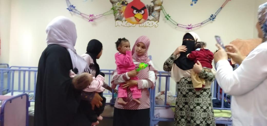 الاحتفال بعيد الطفولة بمركز رعاية الأطفال بأسوان  (4)