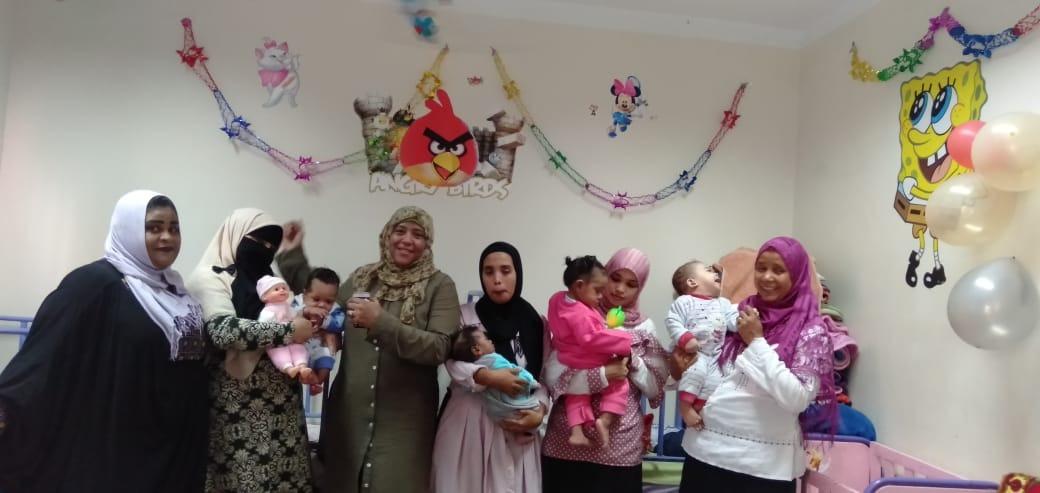 الاحتفال بعيد الطفولة بمركز رعاية الأطفال بأسوان  (2)