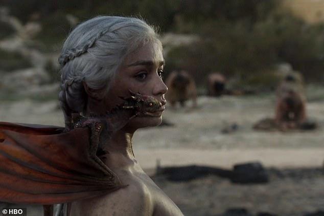 إيمليا كلارك في الموسم الأول