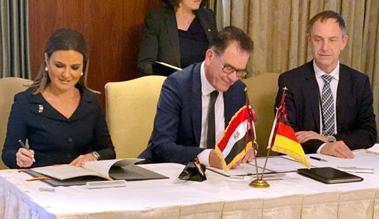 مصر وألمانيا توقعان 6 اتفاقيات (1)