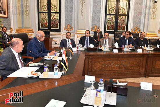 الدكتور على عبد العال رئيس مجلس النواب وسلطان سعيد المراكبى رئيس مجلس النواب اليمنى (8)