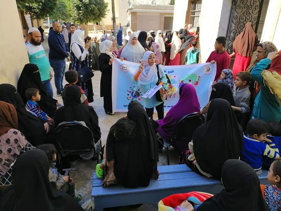 جامعة القاهرة تطلق قافلة طبية شاملة إلى قرية نكلا بالجيزة  (2)