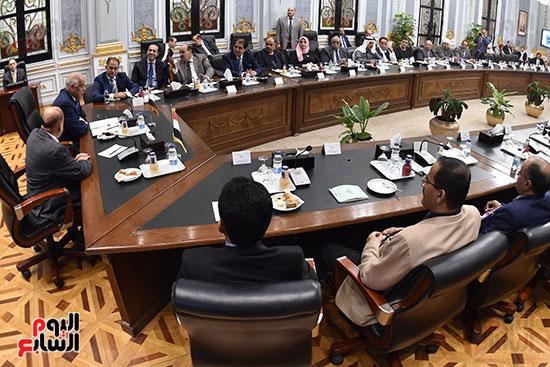 الدكتور على عبد العال رئيس مجلس النواب وسلطان سعيد المراكبى رئيس مجلس النواب اليمنى (10)