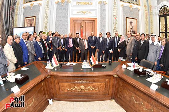 الدكتور على عبد العال رئيس مجلس النواب وسلطان سعيد المراكبى رئيس مجلس النواب اليمنى (14)
