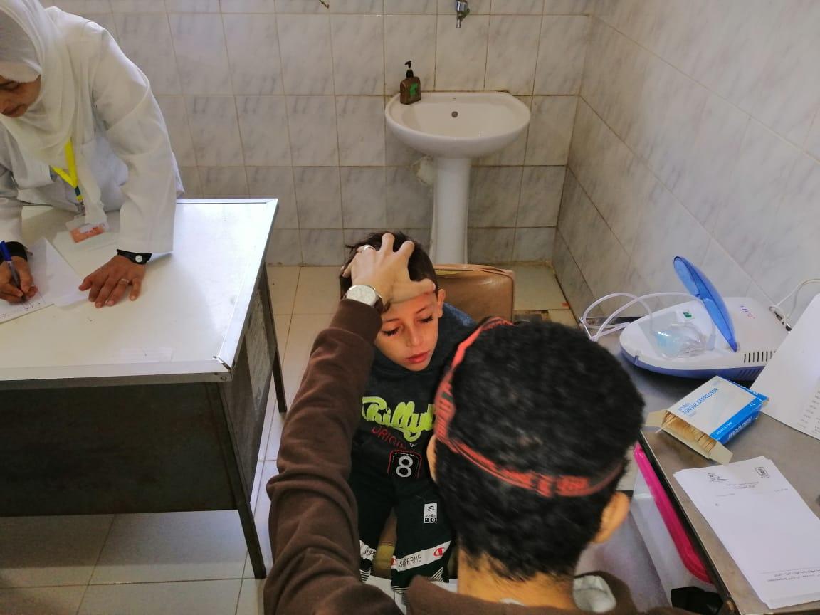 جامعة القاهرة تطلق قافلة طبية شاملة إلى قرية نكلا بالجيزة  (3)