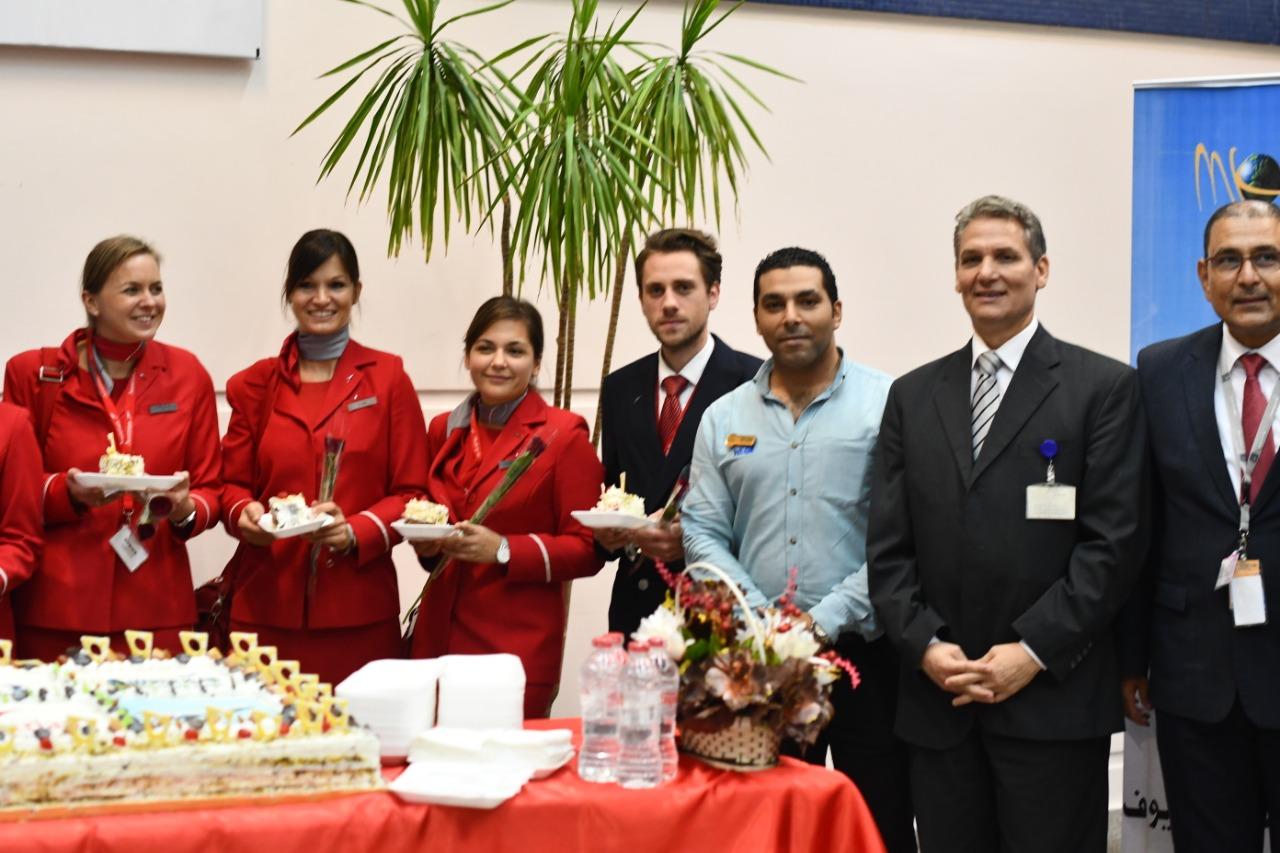 وصول اول رحلة طيران نمساوية لمرسي علم  (7)