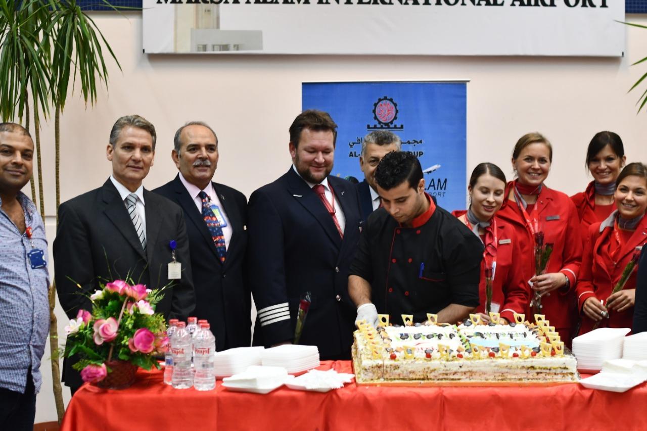 وصول اول رحلة طيران نمساوية لمرسي علم  (6)